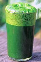 El zumo de col es muy nutritivo y saludable.