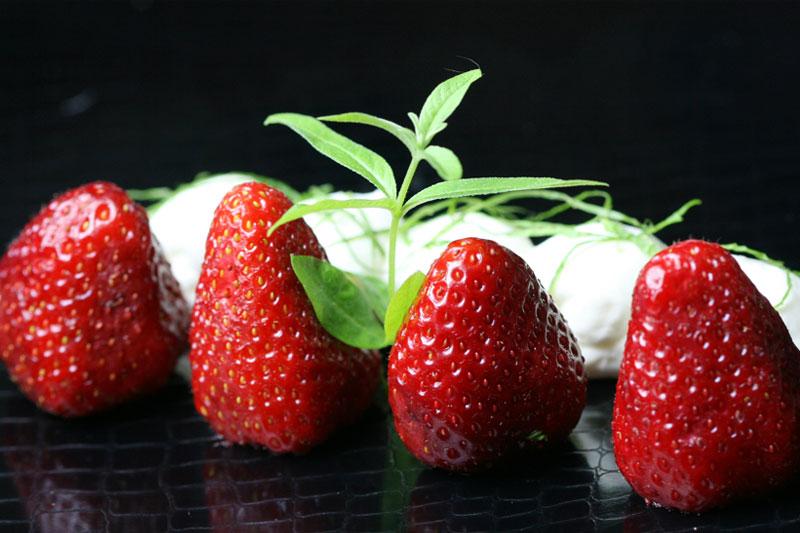 Las fresas, vitaminas y minerales con sabor