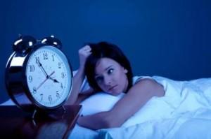 dormir-poco-causa-dolor-de-cabeza