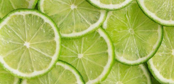 El beneficio del zumo de limón en ayunas