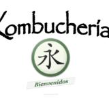 Probando los sabores de los tés de Kombucha